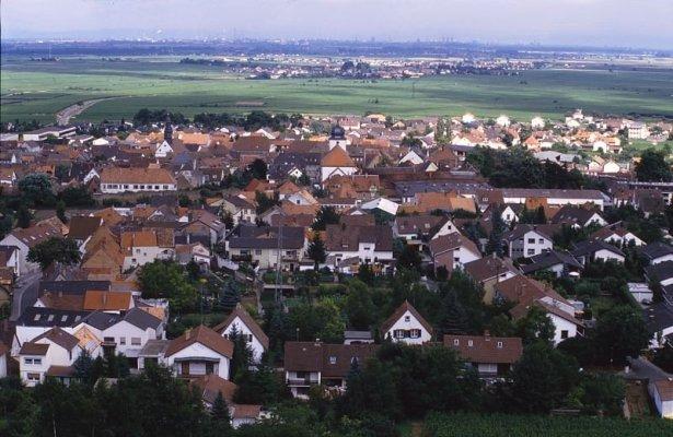 Blick nach Osten ueber den Stadtkern nach Mannheim